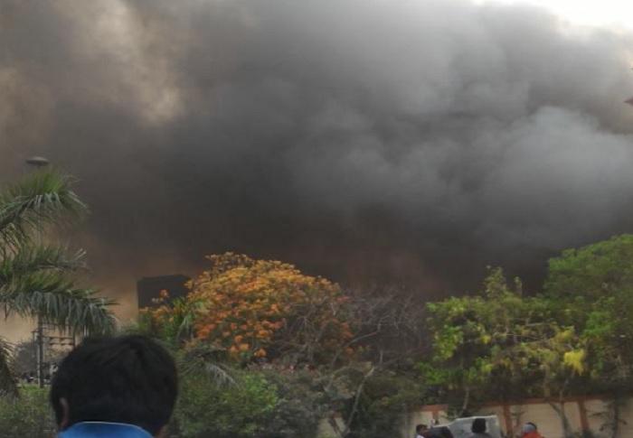 Fire आगरा होटल में भीषण आग, बाल-बाल बचे पर्यटक