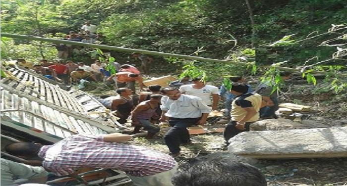 Accident 2 यूपी के सहारानपुर में दर्दनाक सड़क हादसा, 11 महिलाओं की मौत