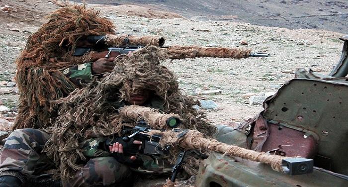 Army श्रीनगर में आतंकवादी हमला, सीआरपीएफ के 10 जवान घायल