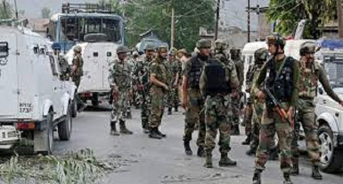3 companies from the UP state of Jammu and Kashmir CRPF OFF कश्मीर में प्रतिबंध जारी, सुरक्षाबलों की तैनाती