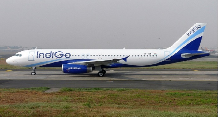 Indigo इंडिगो विमान में आईएस के समर्थन में नारे, मुंबई में आपात लैंडिंग