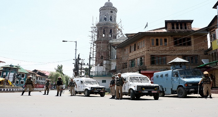 Kashmir 2 1 कश्मीर में लगातार 31वें दिन कर्फ्यू, प्रतिबंध जारी