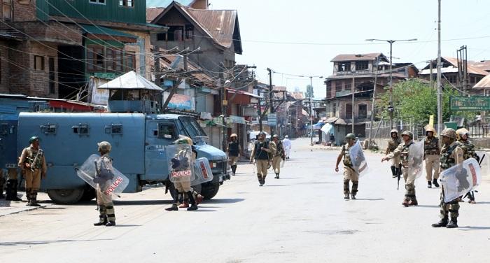 Kashmir 4 कश्मीर में लगातार 34वें दिन बंद, कर्फ्यू से जनजीवन प्रभावित