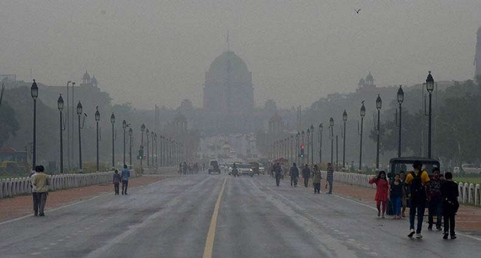 Overcast Sunday morning in Delhi, rain likely