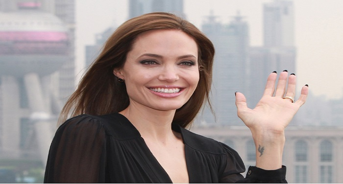 Angelina Jolie जब एंजेलिना यूनिवर्सिटी में स्टूडेन्ट्स को पढ़ाएंगी