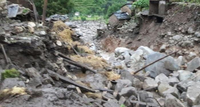 Cloud जम्मू कश्मीर: बादल फटने से चार लोगों की मौत, 40 से ज्यादा लोग लापता