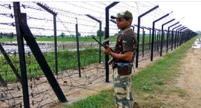 BSF India 30वीं बार पाक ने तोड़ा सीजफायर, एलओसी पर की फायरिंग