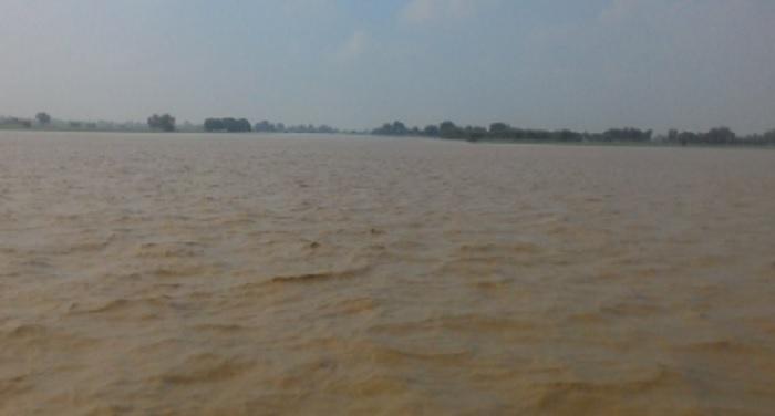 bolero-falls-into-river-8-people-died