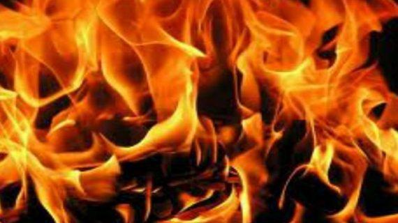 दुकान में आग लगने से लाखों का सामान जलकर राख