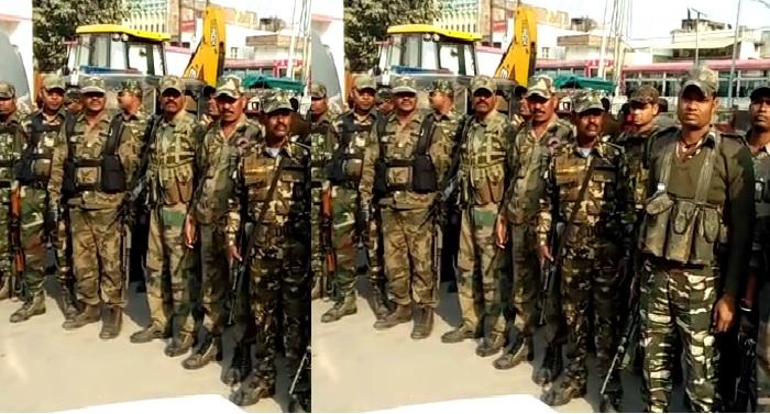 FLAG MARCH शांतिपूर्वक मतदान के लिये अर्द्ध सैनिक बलों ने किया फ्लैग मार्च