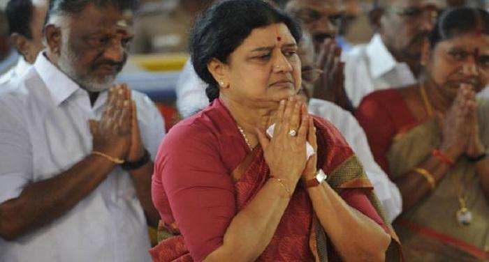 Shashi kala 1 शशिकला जब चाहें बन सकती हैं तमिलनाडु की मुख्यमंत्रीः वी मैत्रेयन