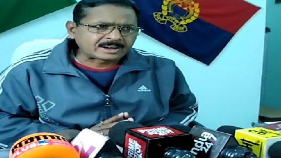 चेकिंग के दौरान पुलिस ने सीज किए 8 लाख रुपये