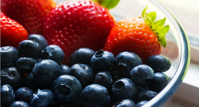 fruits फलों को कभी भी ना खायें खाली पेट, झेलने पड़ सकते हैं कई नुकसान