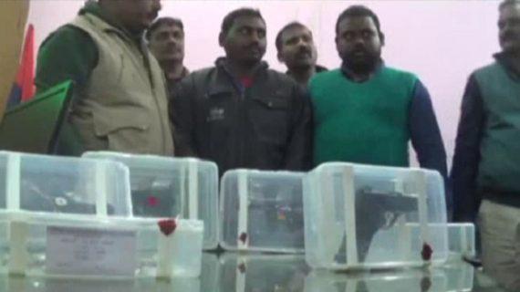 अवैध हथियार के साथ दो गिरफ्तार