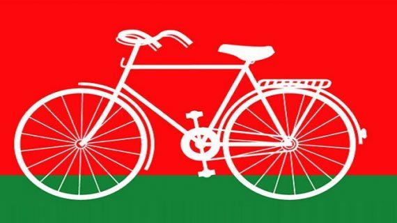 साइकिल पर कौन होगा सवार अखिलेश या मुलायम? आज होगा फैसला