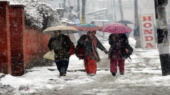 अगले 24 घंटो में फिर से जम्मू-कश्मीर में हो सकती है बर्फबारी