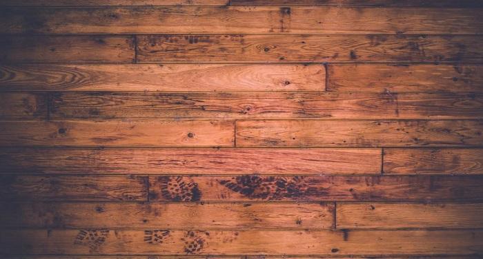 wooden floor अब शीशें की तरह चमकेगी आपकी लकड़ी की फर्श...