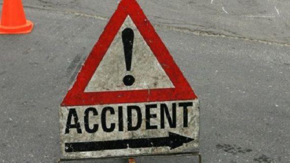 हादसा: 150 फीट गहरी खाई में गिरी कार