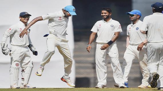 बॉर्डर-गावस्कर ट्रॉफीः पहली पारी में 105 रनों पर सिमटी भारतीय टीम