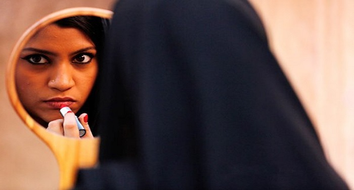 lipstick in my burkha 'लिपस्टिक अंडर माई बुर्का' पर सेंसर बोर्ड चला सकता है कैंची