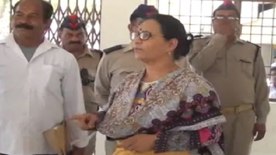 विभाग निरीक्षण को पहुंची आरटीओ अधिकारी ममता शर्मा, अव्यवस्थाओं का दिखा अंबार