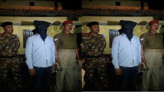 पुलिस ने छापेमारी के दौरान हिरासत में लिए 3 अपराधी