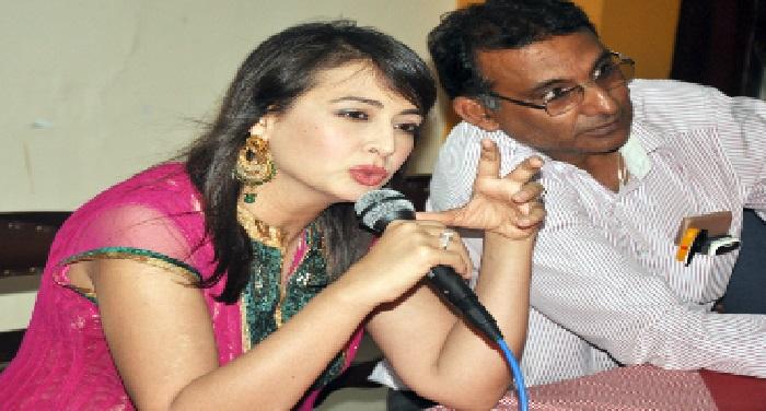 priti बीकानेर में प्नीति ने अपनी पहली राजस्थानी फिल्म 'तावड़ो ' का किया प्रमोशन