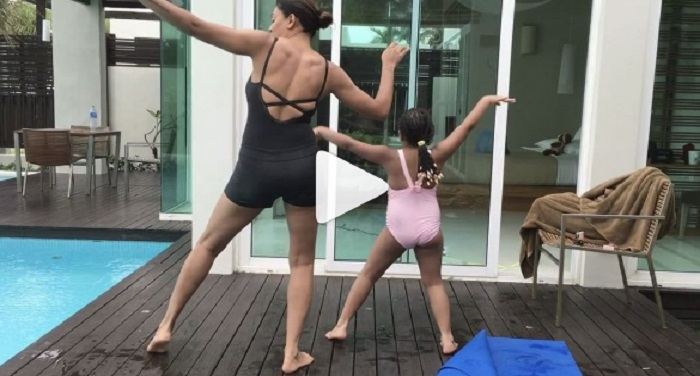 sush 1 सोशल मीडिया पर छाया सुष्मिता का बेटी संग बूटी डान्स...