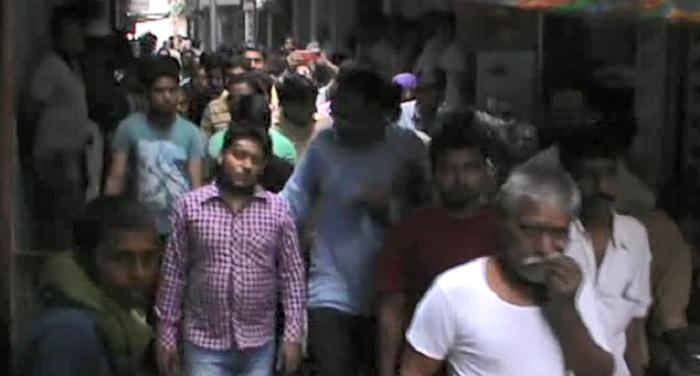 पुलिस स्टेशन के पास सर्राफा व्यापारी से बदमाशों ने की लूटपाट