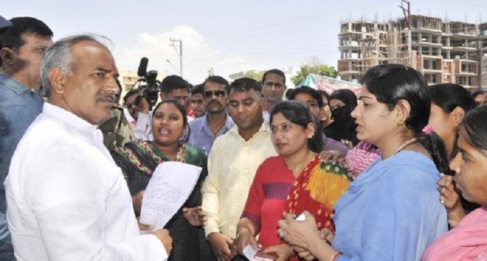 education minister शिक्षा मंत्री ने दिए निर्देश, री-एडमिशन फीस होगी वापस