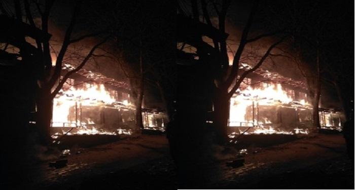 fire कुपवाड़ा में लगी आग, जेके बैंक जलकर हुआ स्वाह