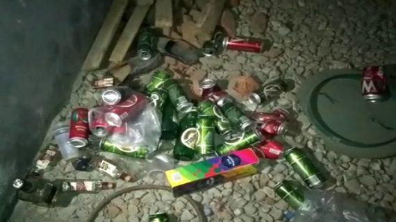 शराब के खिलाफ महिलाओं ने खोला मोर्चा, ठेके पर किया हंगामा