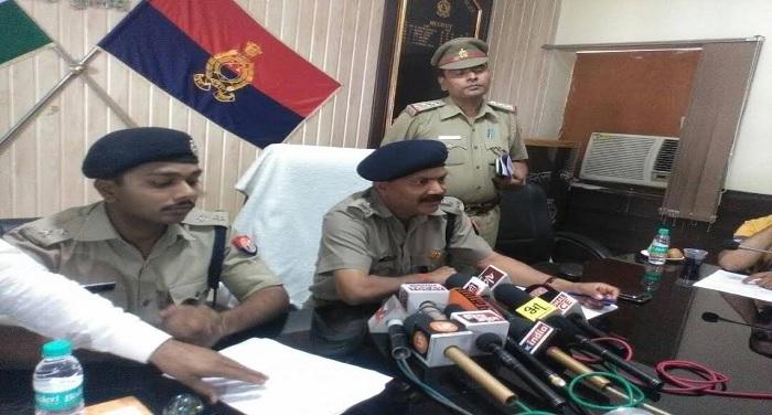 पुलिस ने किया हथियार बनाने वाली फैक्ट्री का खुलासा