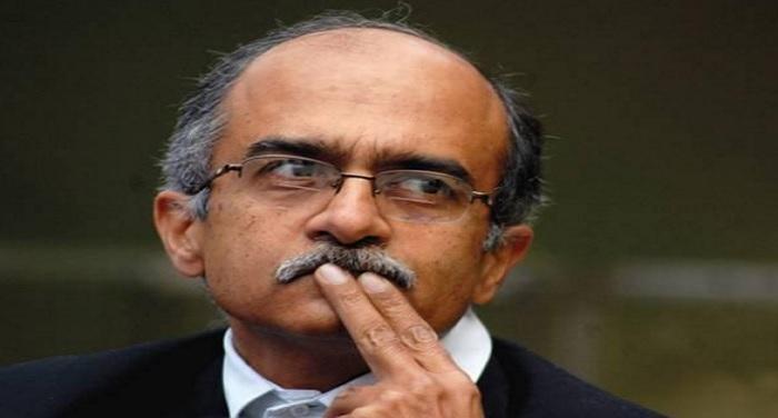 prashant bhushan बैकफुट पर प्रशांत भूषण, अपने विवादित ट्वीट पर मांगी माफी