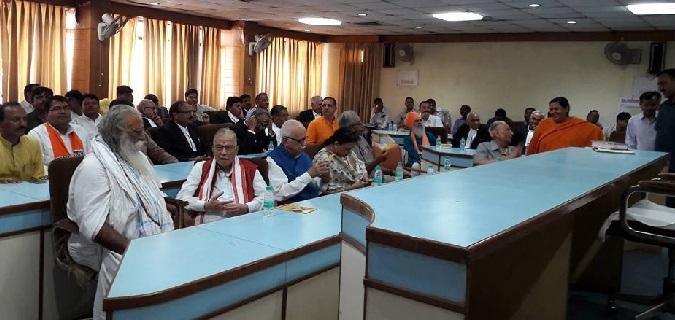 Babri demolition case सभी पर तय हुए आरोप, कोर्ट ने दी आडवानी समेत 12 को बेल