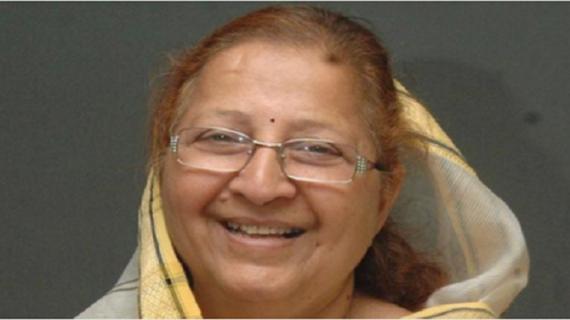 सुमित्रा महाजन ने बालिकाओं को दी पढ़ने की नसीहत
