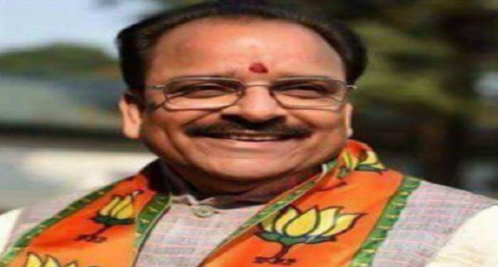 ajay bhatt अजय भट्ट ने निरस्त किया पद मुक्त किए गए अधिकारियों को