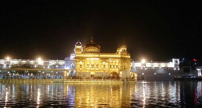 golden स्वर्ण मंदिर में इकट्ठा हुए सैकड़ों लोग, 'खालिस्तान जिंदाबाद' के लगे नारे