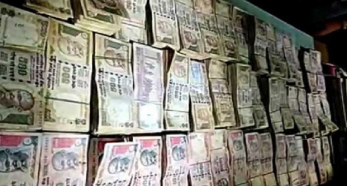 मेरठ पुलिस ने 29 लाख के पुराने नोटों के साथ पांच को किया गिरफ्तार