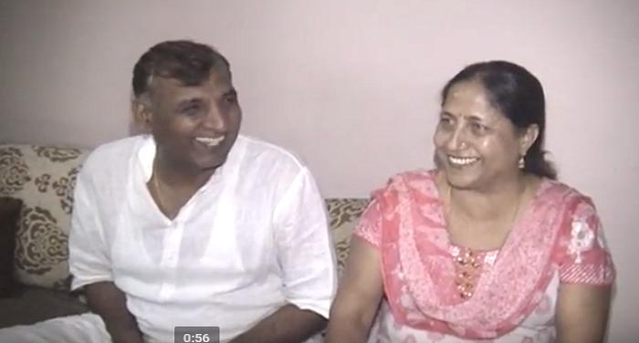 parents भारत-पाक फाइनल के लिए क्रिकेटर भुवनेश्वर के माता पिता दुआएं : मेरठ