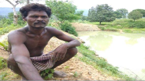 15 साल की उम्र में शुरू कि थी तालाब की खुदाई, 27 सालों में पूरा किया काम
