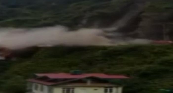 landslide चंडीगढ़-शिमला हाईवे पर भूस्खलन, यातायात प्रभावित