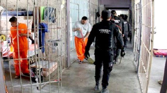 मैक्सिको की जेल में खूनी संघर्ष, 13 लोगों की मौत