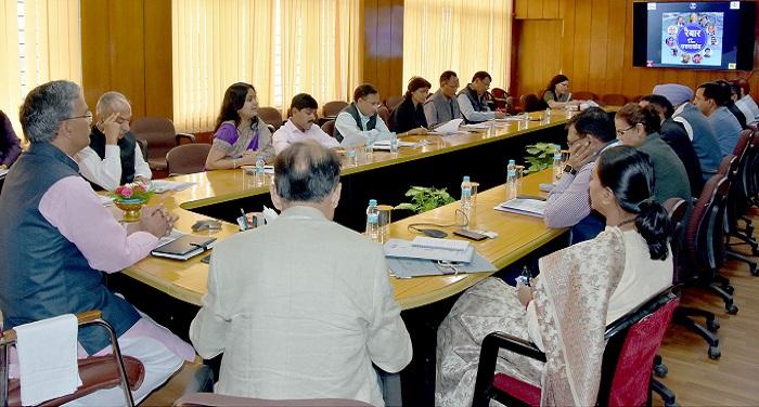 CM Rabar program 'रैबार' कार्यक्रम के सम्बन्ध में सीएम त्रिवेन्द्र सिंह रावत ने की अधिकारियों से साथ बैठक
