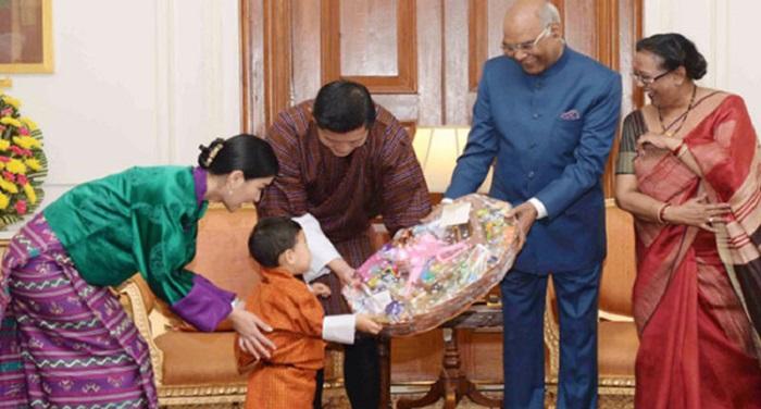 bhutan 1 सोशल मीडिया पर वायरल हो रही हैं भूटान के नन्हे राजकुमार की ये तस्वीरें