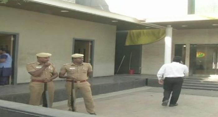 income tax office raid jaya tv