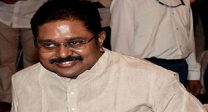 46 Dinakarann 5 तमिलनाडु: दिनाकरन ने विधायक के तौर पर ली शपथ, AIADMK ने 132 लोगों को पार्टी से निकाला