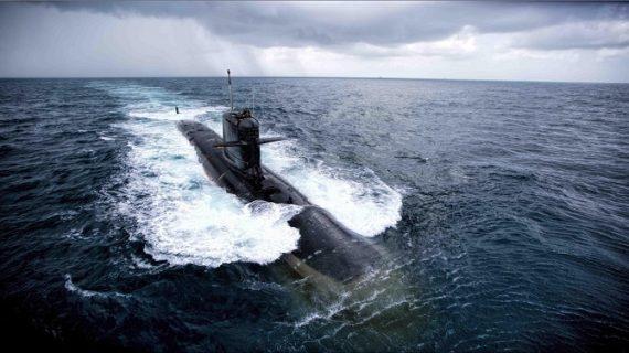 भारतीय नौसेना की बढ़ेगी ताकत, आईएनएस कलवरी कल हो जाएगी नौसेना में शामिल