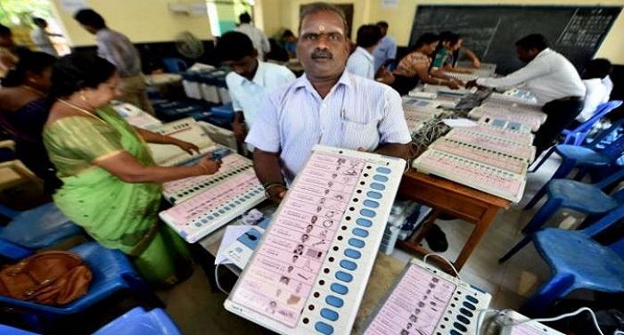 RK NAGAR किसके हाथ लगेगी 'अम्मा' की सीट, उपचुनाव की काउंटिंग जारी