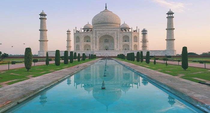 Taj Mahal ili 53 img 1 धुंधली पड़ती ताज की चमक को वापस लाने के लिए किया जा रहा है मुल्तानी मिट्टी का इस्तेमाल